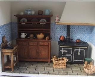 Miniatures et maisons de poupees : cuisine ancienne